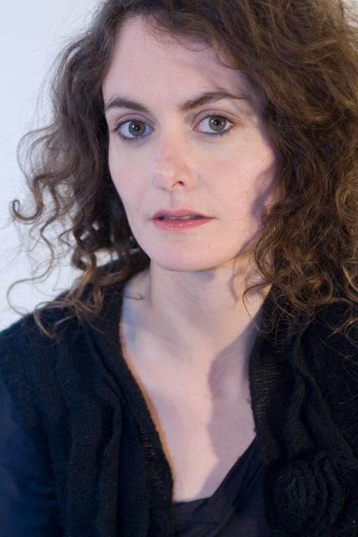 Comédienne formée auprès de Anne Sicco, Jean-Pierre Vincent, <b>Solange Oswald</b>, <b>...</b> - HeleneDedryvere-portrait